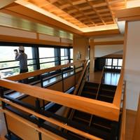 報道陣に公開された熊本城大天守の内部。6階からは熊本市内が一望出来る=熊本市中央区で2020年9月14日正午、矢頭智剛撮影
