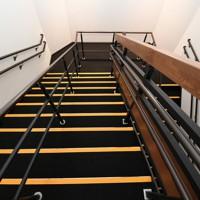 報道陣に公開された熊本城大天守の内部の階段=熊本市中央区で2020年9月14日午後0時34分、矢頭智剛撮影