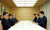 A committee on the procedures for selecting the new era name meets at the prime minister's office in Tokyo on March 29, 2019. Chief Cabinet Secretary Yoshihide Suga is seated second from right. (Mainichi/Masahiro Ogawa)
