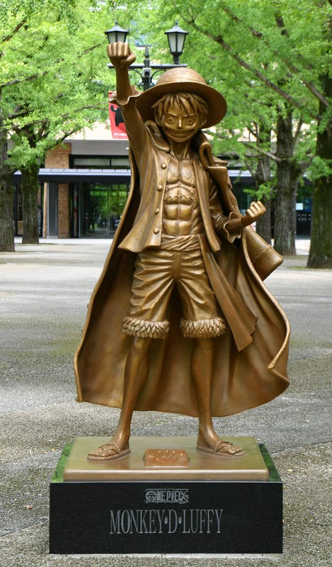 銅像 ワンピース