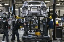 製造業の雇用改善を評価(Bloomberg)