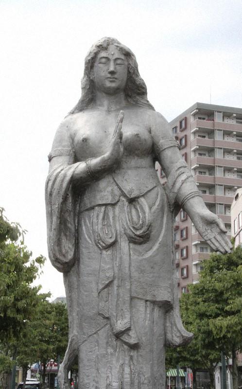 戦後75年:鎮魂の女神像、曲がり角 熊谷空襲で100人が犠牲、星川 ...