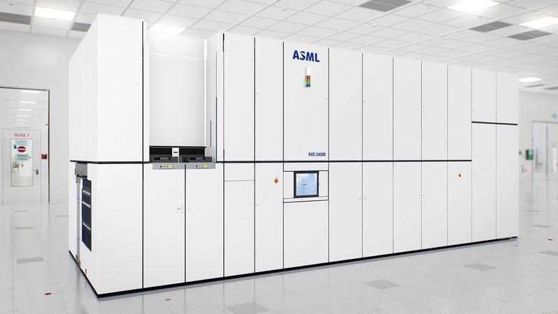 ASMLは微細化の切り札「EUV(極端紫外線)露光装置」で独走 同社提供