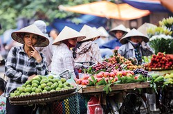 自国製品への購入意欲が高まるベトナム (Bloomberg)