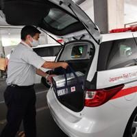 輸血用血液製剤は献血運搬車で運ばれる。大阪府内には3カ所の供給拠点があり、24時間体制で医療機関に届けられる=大阪市城東区の大阪府赤十字血液センターで2020年9月14日、北村隆夫撮影