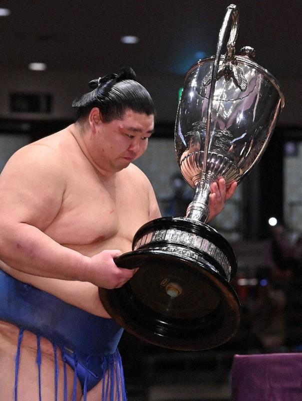 大相撲秋場所 正代初優勝 熊本出身初 大関昇進へ   毎日新聞