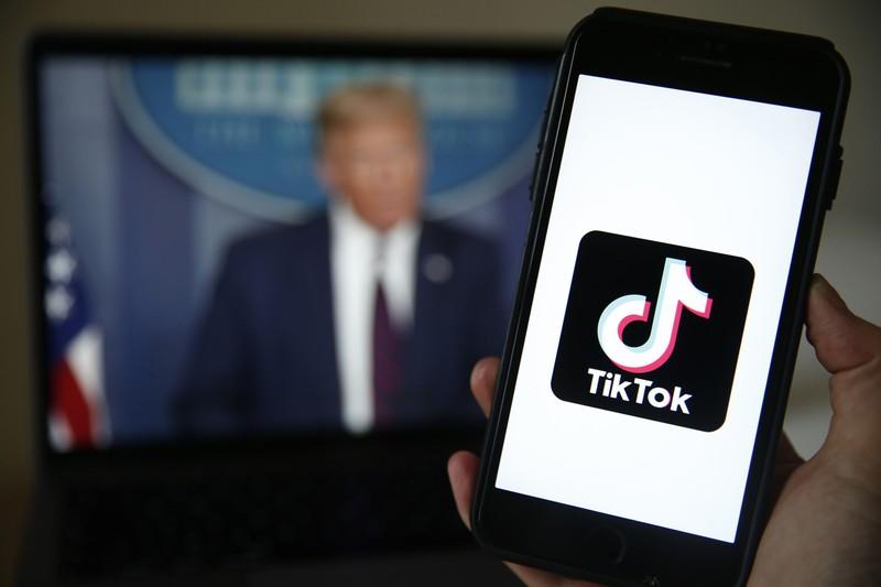 トランプ米大統領はティックトックの利用を制限する大統領令に署名。中国政府・産業界は強く警戒(Bloomberg)