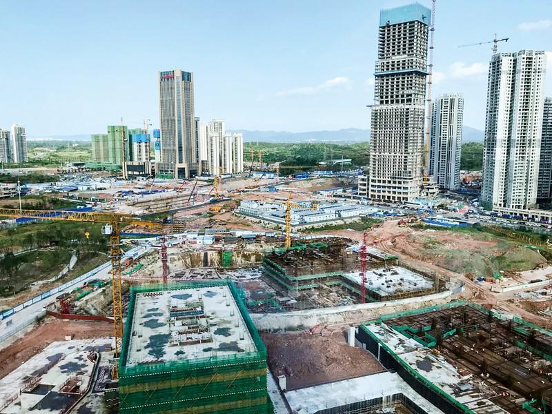 成都市内では急ピッチで開発が進められている ジェトロ成都事務所撮影