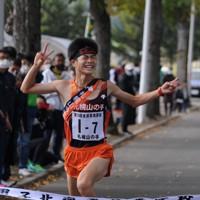 2年連続で優勝した札幌山の手のアンカー、大橋正昊選手=北海道北見市で2020年10月10日午後2時、三沢邦彦撮影