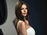 Model Emily Ratajkowski arrives at the Vanity Fair Oscar Party in Beverly Hills, Calif., on Feb. 9, 2020. (Photo by Evan Agostini/Invision/AP)
