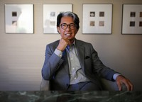 This August 2016 file photo shows the late Kenzo Takada, a leading fashion designer and founder of the global brand KENZO, in a hotel in Tokyo. Takada passed away on Oct. 4 at a hospital in a suburb of Paris after being infected with the novel coronavirus. (Mainichi/Yohei Koide)