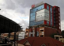 ウガンダの首都カンパラ市内にあるファーウェイのオフィス=2019年11月27日午後5時10分、小泉大士撮影