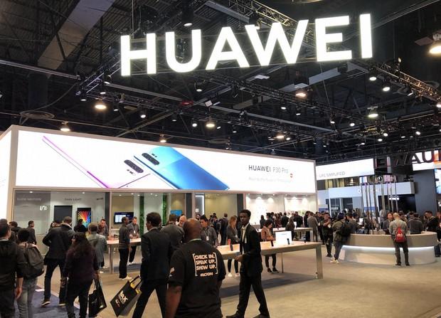 世界最大級の家電IT見本市「CES」に出展した中国の通信機器大手・華為技術(ファーウェイ)のブース=米ネバダ州ラスベガスで2020年1月、中井正裕撮影