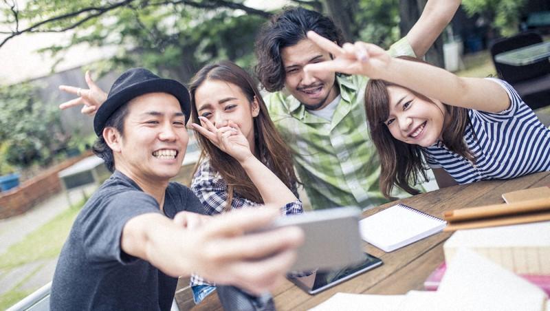 複数の大学の学生が参加するインカレ・サークルは時代とともに変化している