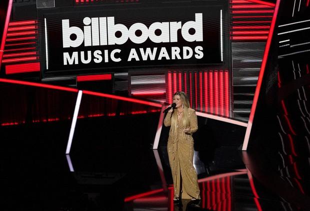 Legend Dedicates Billboard Awards Performance To Chrissy The Mainichi