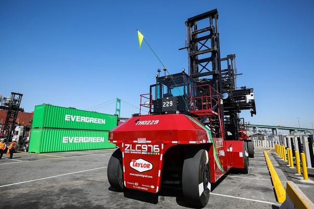 ロサンゼルス港の水素フォークリフトの実験車両(写真提供:Los Angeles Port Authority)