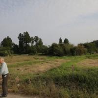 佐久間さんたちが独自に集団移転をするため宅地造成する予定の農地=宮城県丸森町で2020年10月4日、和田大典撮影