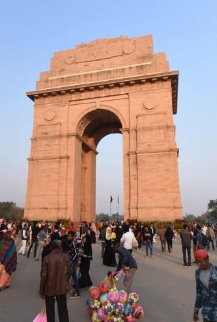 第一次世界大戦の戦死者を弔うために1931年に建てられたインド門=インドの首都ニューデリーで2020年2月、松井聡撮影