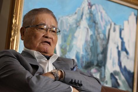 菅首相「鉛」でいい 金メッキははげる
