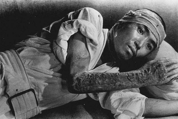 University of Texas photo book aims to show realities of Hiroshima,  Nagasaki blasts to US - The Mainichi