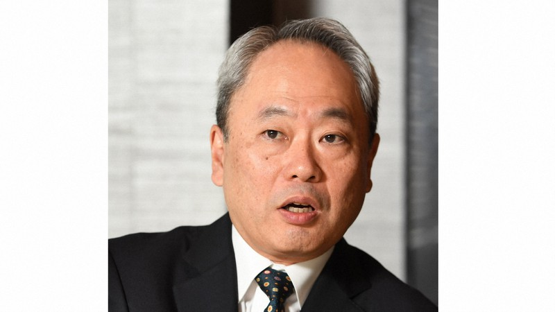 数々の企業の再建を手がけてきた冨山和彦さん=東京都千代田区で2017年12月1日、中村藍撮影