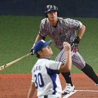 【中日6位】三好大倫(JFE西日本)外野手/16年に香川県立三本松高から投手としてJFE西に加入し、19年に外野手へと転向。持ち味とする左打席から広角に打ち分けるバッティングと俊足が評価された=2019年10月26日、猪飼健史撮影