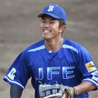 【日本ハム6位】今川優馬(JFE東日本)外野手/第90回都市対抗野球大会で豪快なスイングでチームの初優勝に貢献し、若獅子賞(新人賞)に輝いた。独特のアッパースイングが生み出す長打力が持ち味=2020年10月6日、宮本明登撮影