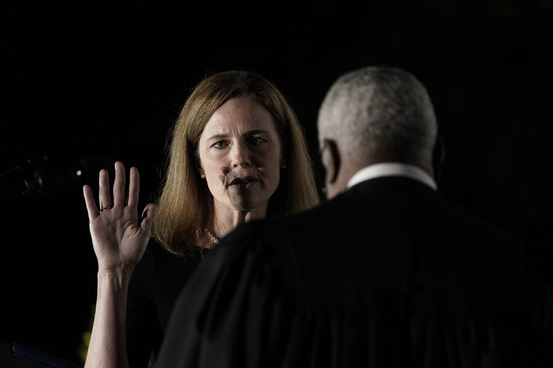 合衆国憲法にのみ従う姿勢は示したが(Bloomberg)