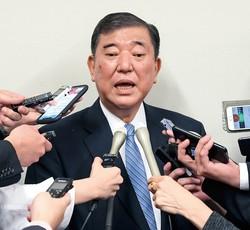 派閥会長を辞任し、事実上の「敗北宣言」をした石破茂・自民党元幹事長。自民党の単色化が進む(衆院第2議員会館で10月22日)