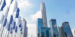 香港に隣接する深圳のビジネス街 筆者撮影