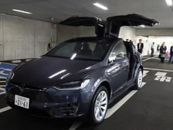 千葉県市川市が公用車に導入した米テスラ社のSUV「モデルX」