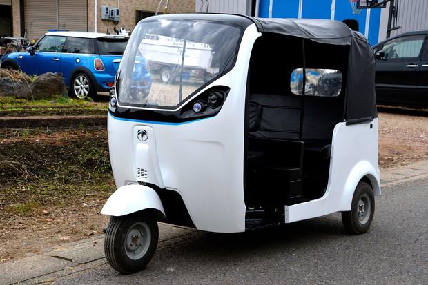 2021年度発売予定のE-Auto(ガソリン車50万台の置き換えモデル、時速50km、中長距離移動用)