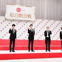 第71回NHK紅白歌合戦の初出場が決まったSixTONESのメンバー=東京都渋谷区で2020年11月16日午後0時19分、吉田航太撮影