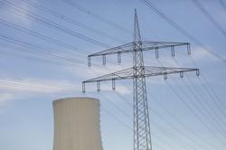 石炭火力発電所には世界中で強い風当たり Bloomberg