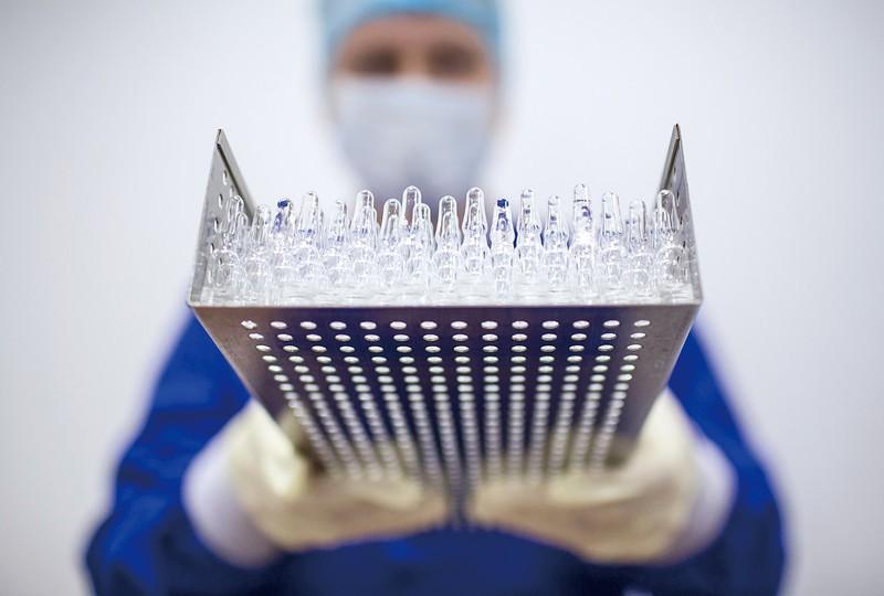 ワクチン実用化に期待が高まる (Bloomberg)