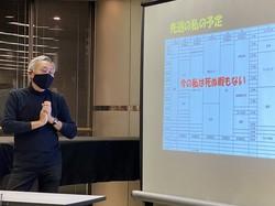 よりよい「逝き方」について講演する石蔵文信さん=大阪市北区の毎日文化センターで2020年11月17日