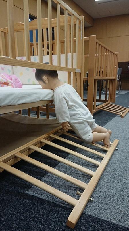 事故 ベビー ベッド