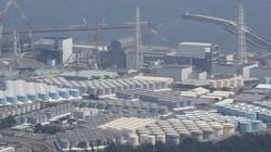 東京電力福島第1原発の敷地内に立ち並ぶ汚染処理水が入ったタンク=2020年8月21日、本社ヘリから