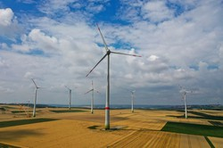 風力発電のシェアは24%と電源別でトップに(独マインツ)(Bloomberg)