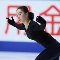 フィギュアスケートNHK杯の前日練習で滑る樋口新葉=東和薬品ラクタブドームで2020年11月26日(代表撮影)