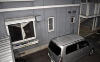 The multi-unit apartment where the victim was fatally abused is pictured in the Shiga Prefecture town of Aisho on Nov. 25, 2020. (Mainichi/Ryoichi Mochizuki)