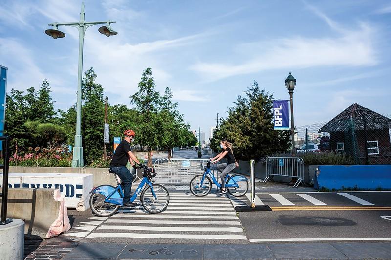 密を回避できる自転車はコロナ禍でも人気だ (Bloomberg)