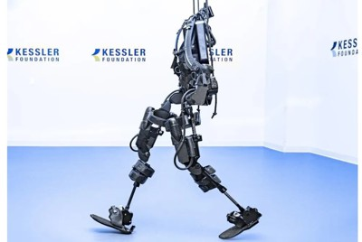 臨床試験に使われた、外骨格型のアシスト付きスーツの一つ「Ekso GT(Ekso Bionics社製)」=Kessler Foundation提供