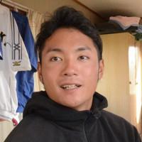 「ストレートを磨くことは永遠の課題」と語る伊藤選手=北海道苫小牧市の苫小牧駒沢大学で2020年11月6日、平山公崇撮影