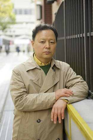 「美しい物語とか感動にはまったく興味がありません。くさいものは嫌なんです」 撮影ー蘆田剛
