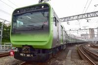 A train on the JR Yamanote Line is seen in Shinagawa Ward, Tokyo. (Mainichi/Kimi Takeuchi)