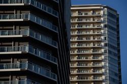相続税対策として盛んに活用されたタワーマンション。相続発生間際の購入には国税当局も厳しい目を向ける(Bloomberg)