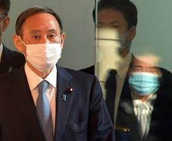 来年の自民党総裁選を見据える菅氏の目には、「桜」前夜祭の捜査はどう映っているか(首相官邸で11月27日)