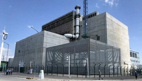 中国核工業集団が建設し、機能試験が進む次世代小型原発の高温ガス炉=同社ホームページから
