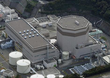 The Japan Atomic Power Co.'s Tsuruga Power Station Unit 2 is seen from a Mainichi Shimbun helicopter on Nov. 3, 2019. (Mainichi/Tatsuya Onishi)